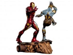 Фигурка-диорама Железный Человек против Читаури