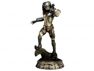 Фигурка-статуя Хищник