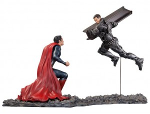 Фигурка-статуя Супермен против Генерала Зода