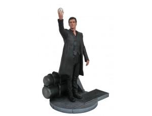 Фигурка-статуя Человек в черном