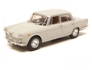 Alfa Romeo 2000 Berline 1957