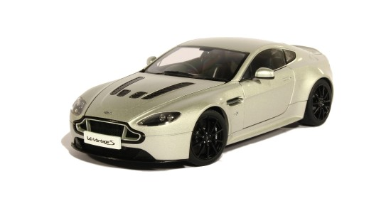 Масштабная модель Aston Martin Vantage S V12 2015