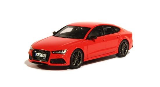 Масштабная модель Audi RS7 2015
