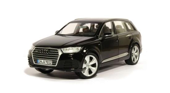 Масштабная модель Audi Q7 2015