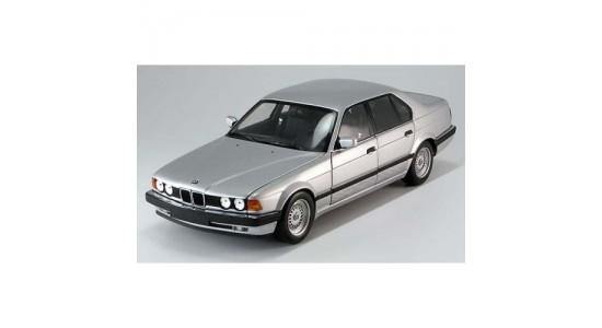 Масштабная модель BMW E32