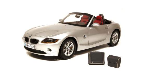 Масштабная модель BMW E85 Z4 Roadster 2002