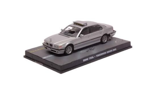 Масштабная модель BMW E38 750iL из фильма Агент 007